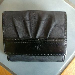 Small Coach Wallet! NWOT!